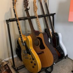 Guitar/Bass Lessons! (Virtual Or In Person) for Sale in Lake Forest Park,  WA