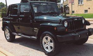 2OO7 Jeep Wrangler Sahara Unlimited RunningSUV for Sale in Philadelphia, PA