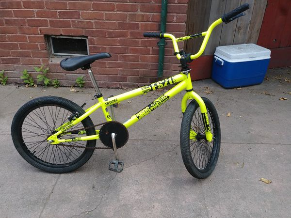 """(2) 20 """" BIKES ..... READY 2 RIDE... SELLING AS IS.... $100 TAKE BOTH"""