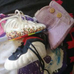 Baby shoes UGGs size 0/1...foamposites size 3 for Sale in Chicago, IL