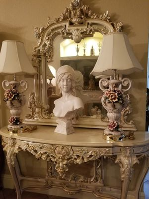 Beautiful pair of lamps capodimonte porcelain for Sale in Miami, FL