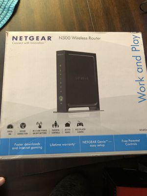 N300 Wireless Router Work and Play (Caja paraWiFi) for Sale in Los Angeles, CA