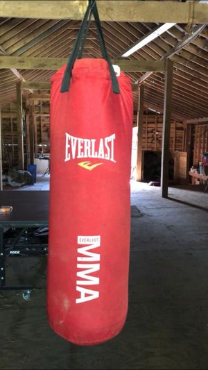 Punching bag ever last for Sale in Murfreesboro, TN