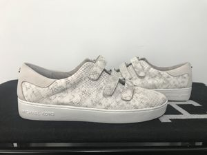 Michael Kors Leather Sneakers 9 for Sale in Herndon, VA