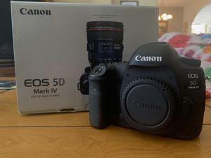 Canon 5D Mark IV (ONLY 10k SHUTTER COUNT) for Sale in Redlands, CA