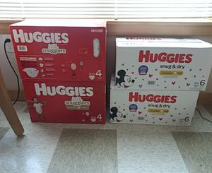Huggies little Snugglers and Huggies Snug and Dry for Sale in Seattle, WA