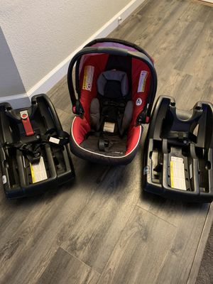 Graco click connect infant car seat and bases. for Sale in Oakley, CA