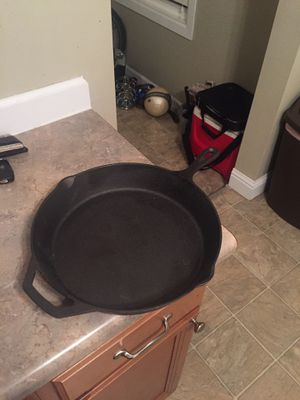 12 Inch Cast Iron Skillet for Sale in Union, MO