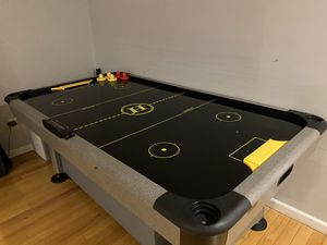 Air hockey table. Good condition. for Sale in Staten Island, NY