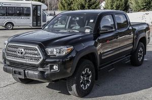 2017 Toyota Tacoma TRD off-road for Sale in Everett, MA