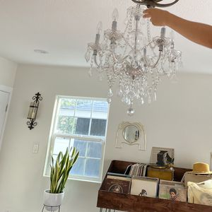 Ice Palace 4 Light Chandelier - Like New for Sale in Long Beach, CA