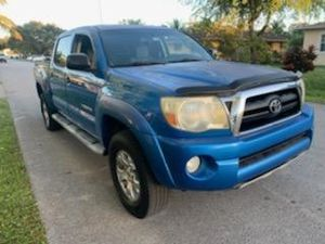 Awesome condition 2007 Toyota Tacoma crew cab SR5 over 85 trucks to choose from guaranteed approval for everyone bad credit no problem! for Sale in Miramar, FL
