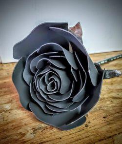 Metal Black Rose for Sale in Moreno Valley,  CA