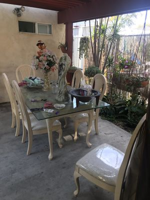 Kitchen table for Sale in Long Beach, CA
