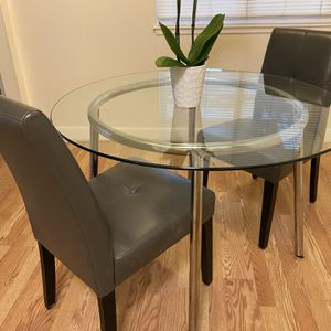 Glass Breakfast Table With 4 Gray Chairs for Sale in Walnut Creek, CA