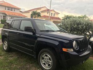 Jeep Patriot 2016 blue 60k miles, rebuilt title $5900 obo for Sale in Miami, FL