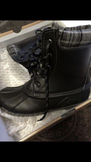 Gently used women's boots for Sale in Chicago, IL