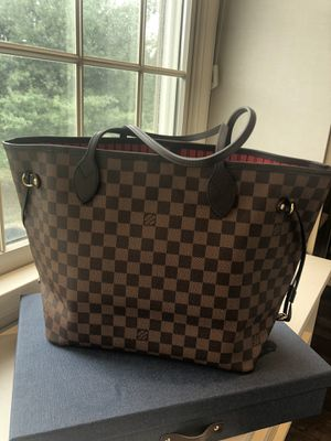 Louis Vuitton Neverfull MM for Sale in Skillman, NJ