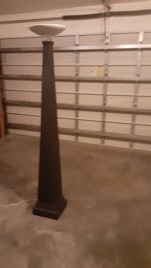 Large floor lamp for Sale in Cape Coral, FL