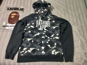 Bape Glow in the dark NYC camo large for Sale in Watauga, TX