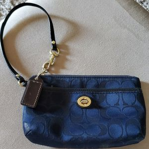 Beautiful Coach Wristlet New Condition for Sale in Virginia Beach, VA