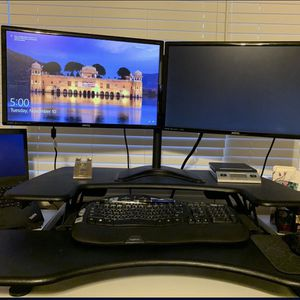 Stand Up Desk for Sale in San Dimas, CA