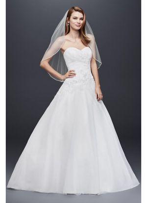 Beautiful Wedding Dress (NWT) for Sale in Waldorf, MD