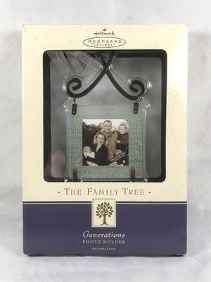 "Hallmark Keepsake ""The Family Tree"" Photo Ornament for Sale in Toms River, NJ"