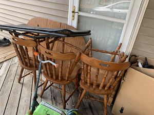 Kitchen table 4chairs for Sale in Columbia, TN