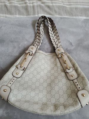 Authentic Gucci Pelham Shoulder Cream Leather Hardware Hobo Bag for Sale in Richmond, TX