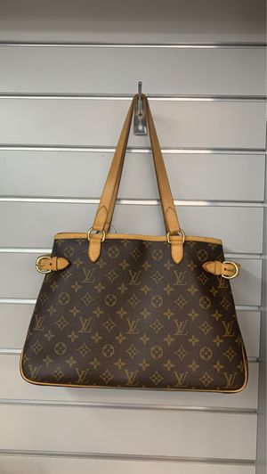 Louis Vuitton certified authentic hand bag peruse. for Sale in Rancho Mirage, CA