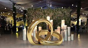 Gold Wedding Bands (5ft tall) for Sale in Perris, CA