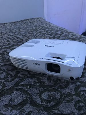 EPSON PROJECTOR EX31 for Sale in Pembroke Pines, FL