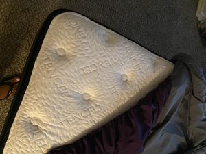 King Mattress & box springs for Sale in Austin, TX