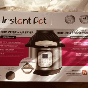 Instant Pot Duo Crisp + Air Fryer for Sale in Riverside, CA
