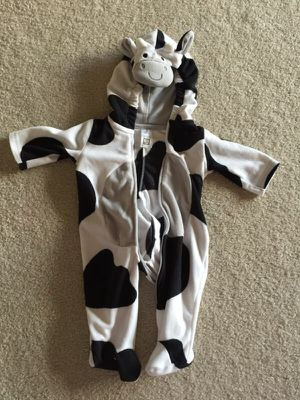 0-3 month cow costume for Sale in Renton, WA