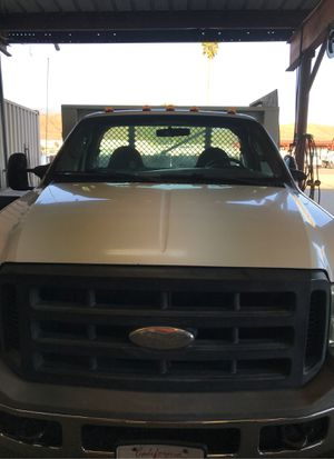 Flatbed 2005 Ford f350 for Sale in ARROWHED FARM, CA