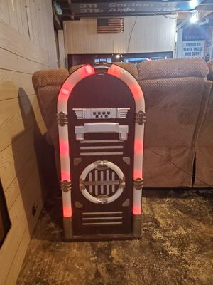 blutletooth neon jukebox for Sale in Roseville, MI