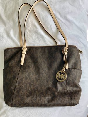 Michael Kors tote purse for Sale in Middletown, CT