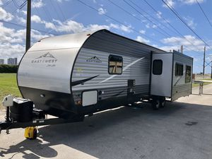 2020 rv travel trailer 29ft 786~286~1155 for Sale in Miami, FL