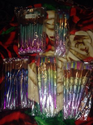 Makeup brushes set brochas para maquillar free deal offer rainbow unicorn mermaid tails for Sale in Santa Fe Springs, CA