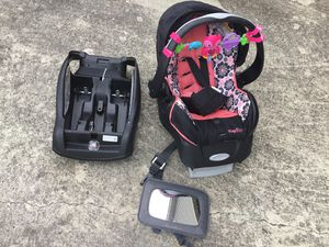 Evenflo Embrace Car Seat with extra car base for Sale in Rossville, GA