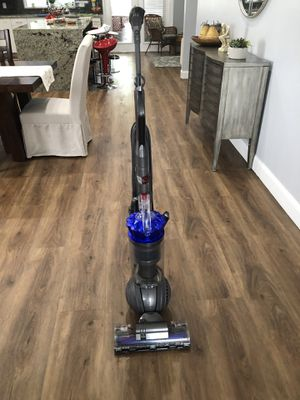 Vacuum Dyson Animal model # MH1-US FMA8738B for Sale in Pompano Beach, FL
