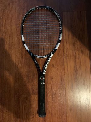 Regular Sized Tennis Racket for Sale in Pembroke Pines, FL