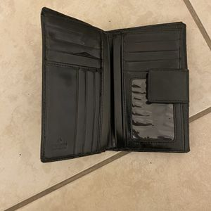 Gucci Card Wallet For Woman for Sale in Phoenix, AZ