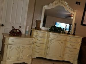 Bedroom set for Sale in Phoenix, AZ