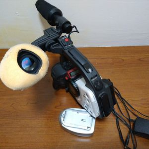 XL1 DIGITAL CAMCORDER FOR PARTS for Sale in Troy, MI