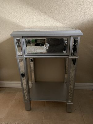 Side mirrored table for Sale in Paradise Valley, AZ
