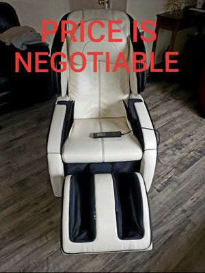 Massage Chair by Human Touch (NEW) for Sale in Auburn, WA