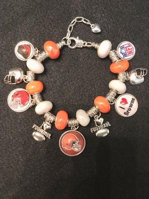 Cleveland Browns Silver Snake Chain Charm Bracelet. for Sale in Madera, CA